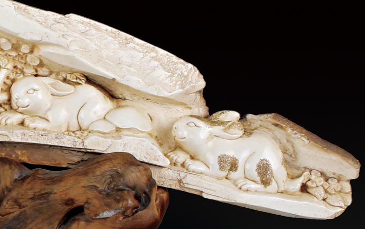 众多象牙雕刻艺术品中,动物类牙雕作品为历代帝皇之家,达官贵人